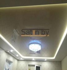 натяжной потолок в зале двухуровневый
