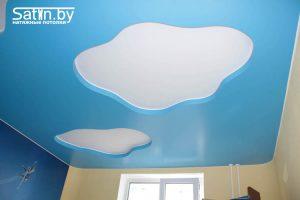 натяжной потолок для детской голубой