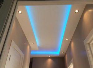 Натяжной потолок с подсветкой LED коридор