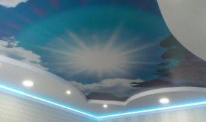 натяжной потолок фотопечать облака