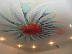 натяжной потолок с фотопечатью  рисунок