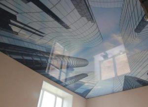 натяжной потолок фотопечать город дома