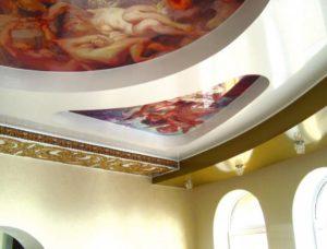 натяжной потолок с фотопечатью барокко стиль