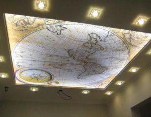 натяжной потолок с фотопечатью карта мира фото