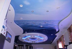 натяжной потолок с фотопечать море и небо