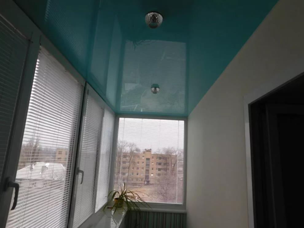 натяжной потолок на балконе лоджии 11