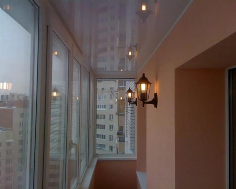 натяжной потолок на балконе лоджии 12