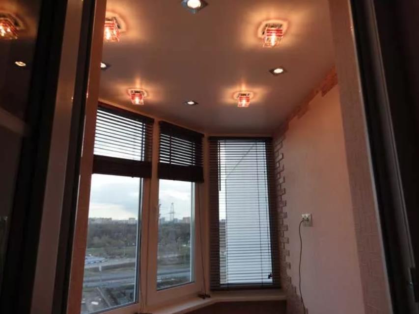 натяжной потолок на балконе лоджии 20