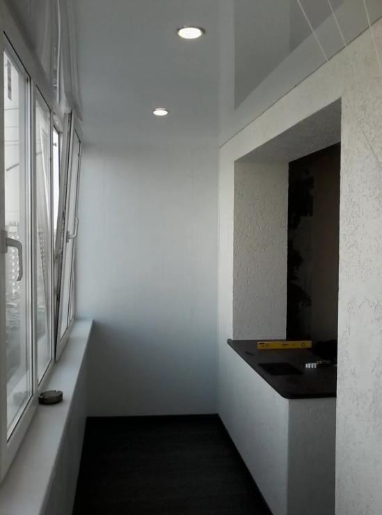 натяжной потолок на балконе лоджии 3
