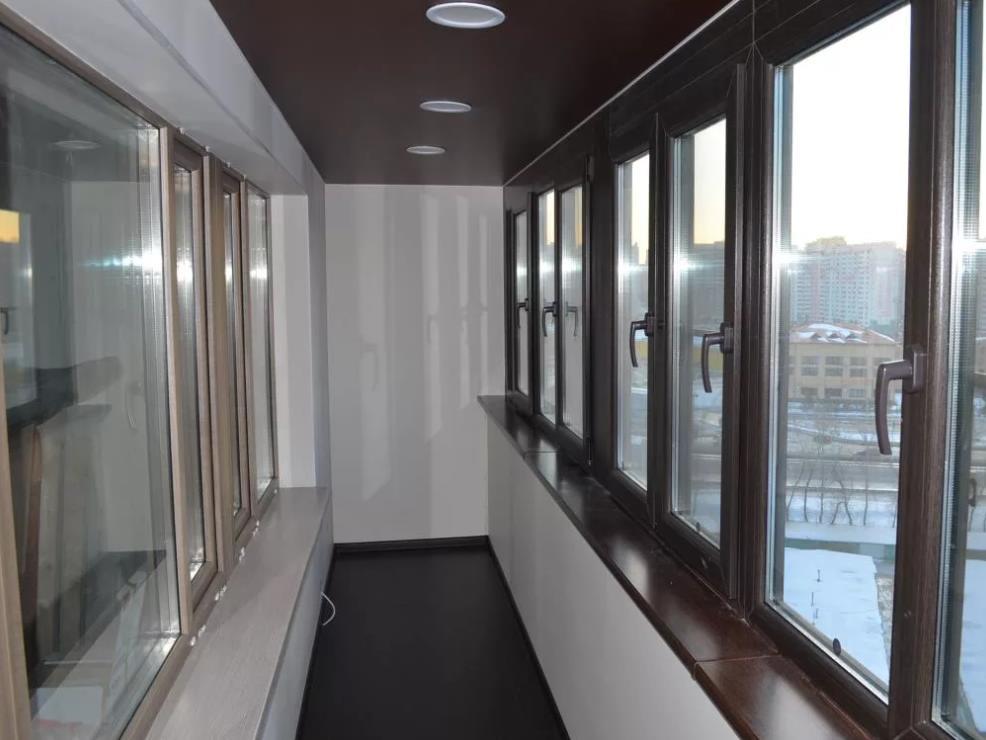 натяжной потолок на балконе лоджии 7