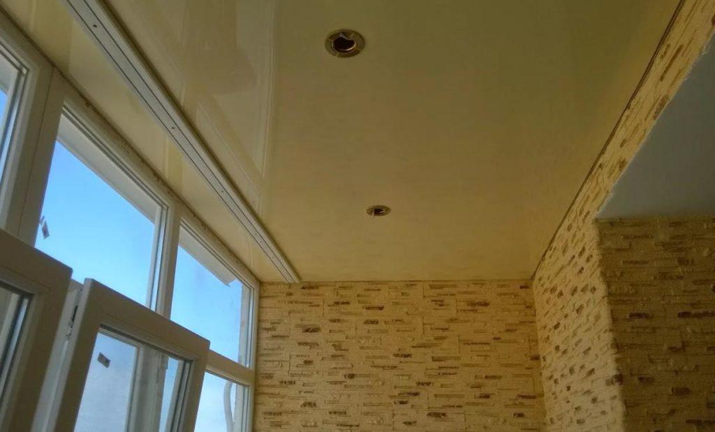 натяжной потолок на балконе лоджии 9