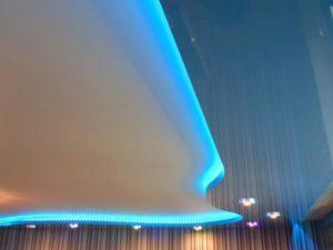 натяжные потолки с подсветкой 30