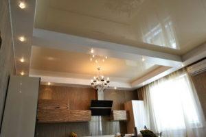 Натяжной потолок на кухне 22