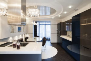 Натяжной потолок на кухне 36