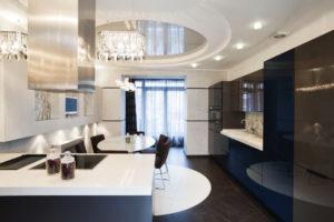 Натяжной потолок на кухне 34