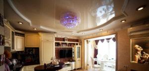 Натяжной потолок на кухне 33