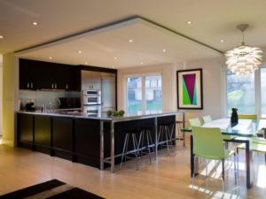 Натяжной потолок на кухне 29