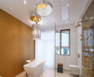 натяжной потолок в ванной 2