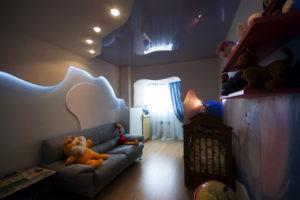 натяжной потолок в детскую 23