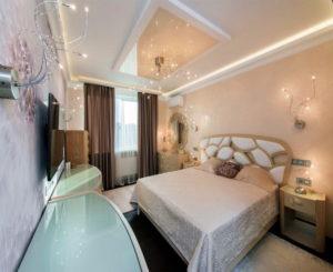 Натяжной потолок в спальне 41