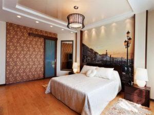 Натяжной потолок в спальне 45