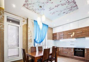 Натяжной потолок на кухне 10