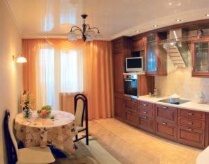 Натяжной потолок на кухне 40