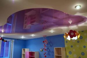 натяжной потолок в детской 39