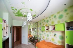 натяжной потолок в детской 42