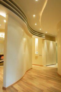 натяжной потолок в коридор 3