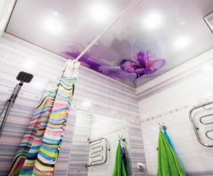 натяжной потолок в ванной 15