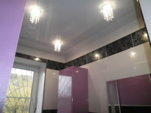 натяжной потолок в ванной 21