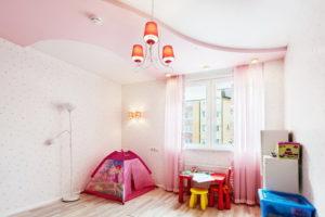 натяжной потолок в детской 37