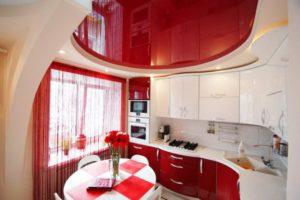 Натяжной потолок на кухне 4