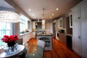 Натяжной потолок на кухне 14