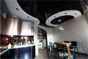 Натяжной потолок на кухне 5