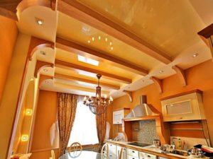 Натяжной потолок на кухне 13