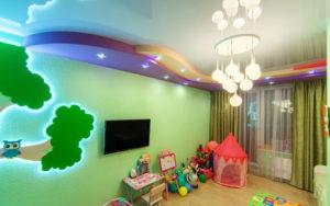 натяжной потолок в детской 51