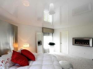 Натяжной потолок в спальню 2
